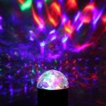 3W LED pöörlev häältundlik kristallpall (jalaga)